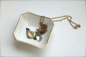 If you put necklaces in your jewelry box, dish, bag, with the end sticking out, it will not knot.