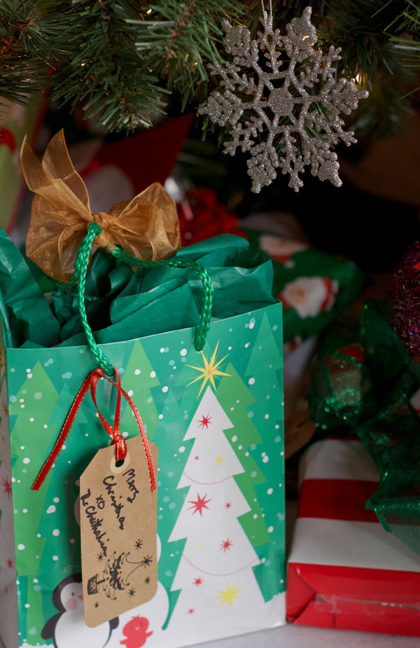 Do it yourself gift tags place it on a gift under the tree and pass out the love merry merry solutioingenieria Gallery