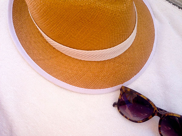 Fedora-and-sunnies